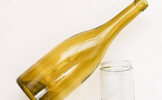 Как удалить этикетки со стеклянных бутылок